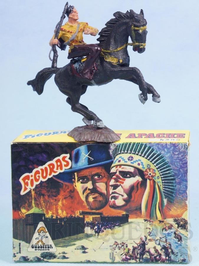 Brinquedo antigo Conjunto Cowboy com Rifle e cavalo Série Figuras Forte Apache perfeito estado 100% original Acompanha a Caixa Original Década de 1970
