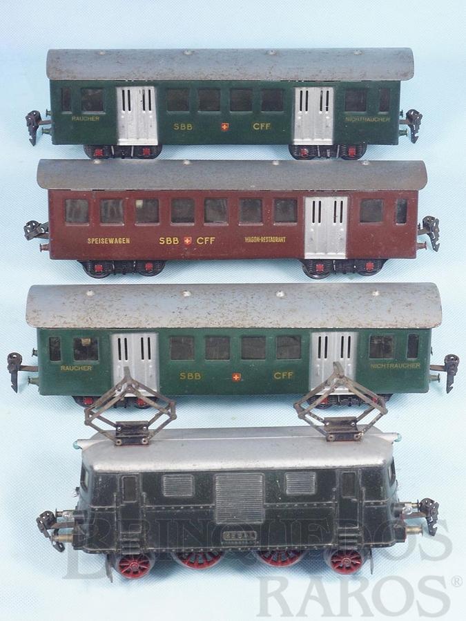Brinquedo antigo Conjunto de Locomotiva elétrica e 3 Carros de passageiros Década de 1950