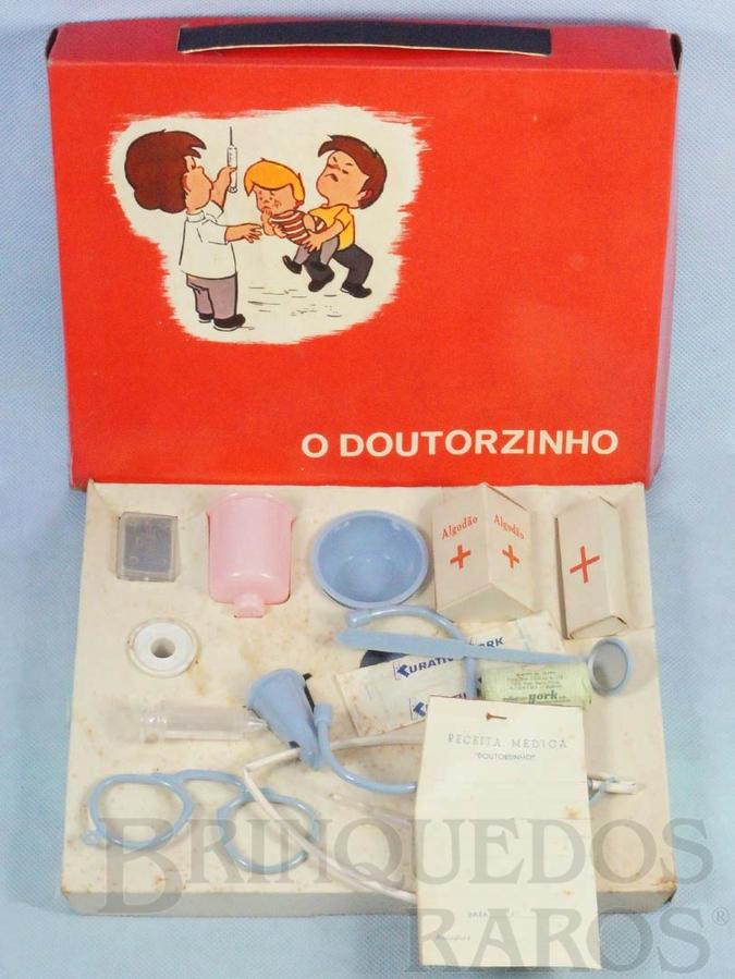 Brinquedo antigo Conjunto de Médico O Doutorzinho com Estetoscópio Termômetro Injeção e outros 10 itens Década de 1960