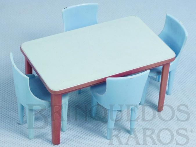 Brinquedo antigo Conjunto de Mesa e quatro cadeiras Década de 1960