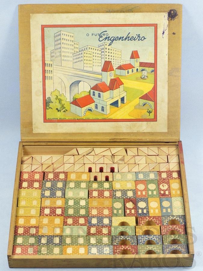 Brinquedo antigo Conjunto de Montar O Futuro Engenheiro Caixa com 175 peças Impressão em alto relevo Década de 1960
