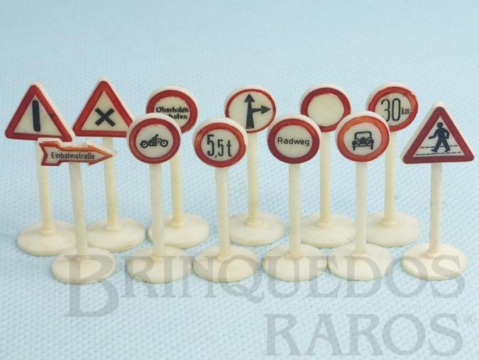 Brinquedo antigo Conjunto doze Placas de sinalização de Transito Década de 1950