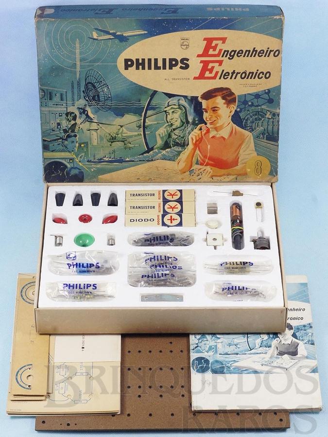 Brinquedo antigo Conjunto Engenheiro Eletrônico Modelo EE8 completo perfeito estado com Manual componentes e cartelas lacradas Década de 1960