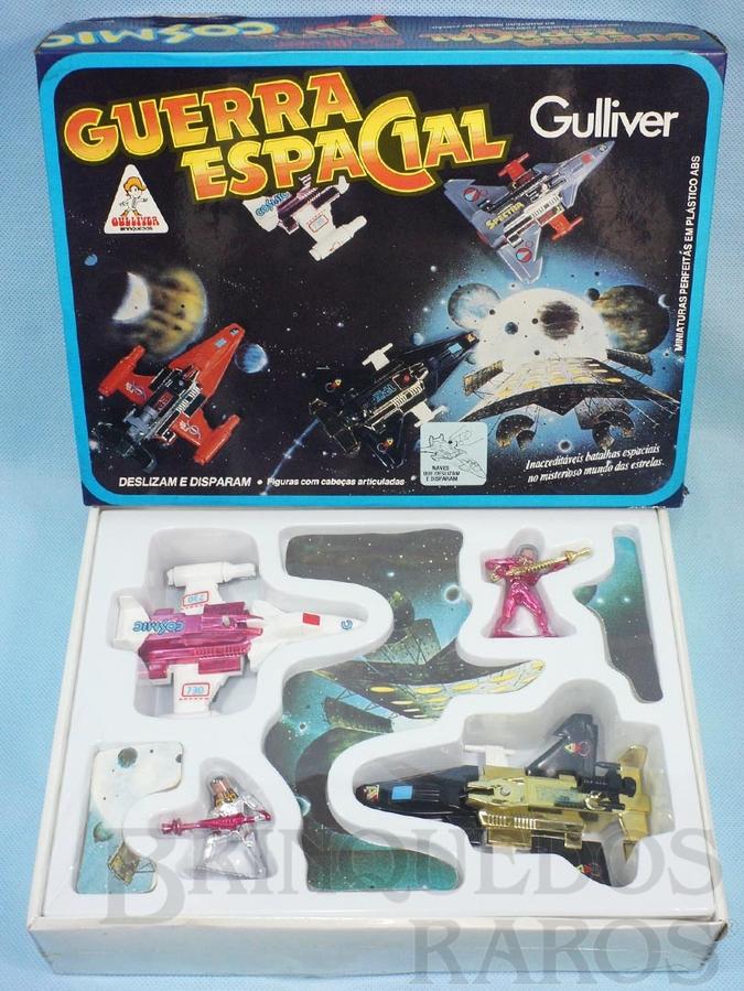 Brinquedo antigo Conjunto Guerra Espacial com duas naves e duas figuras Caixa lacrada Década de 1980