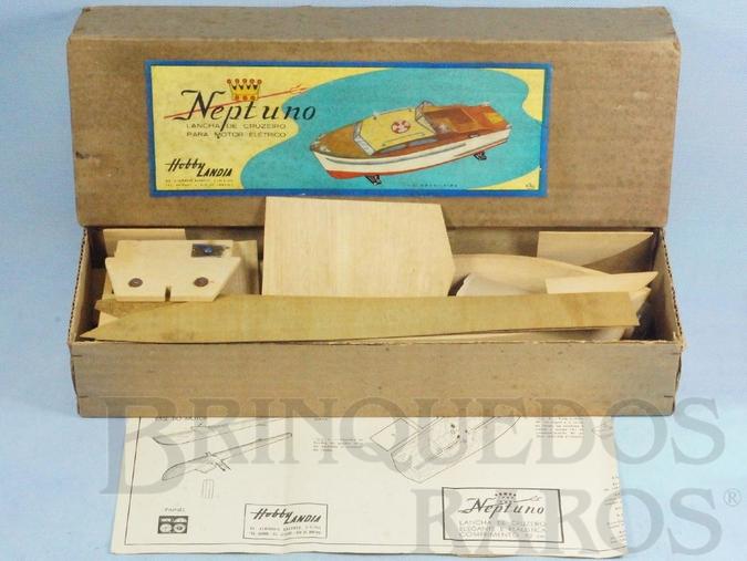 Brinquedo antigo Conjunto Lancha Netuno para montar com motor elétrico Década de 1970