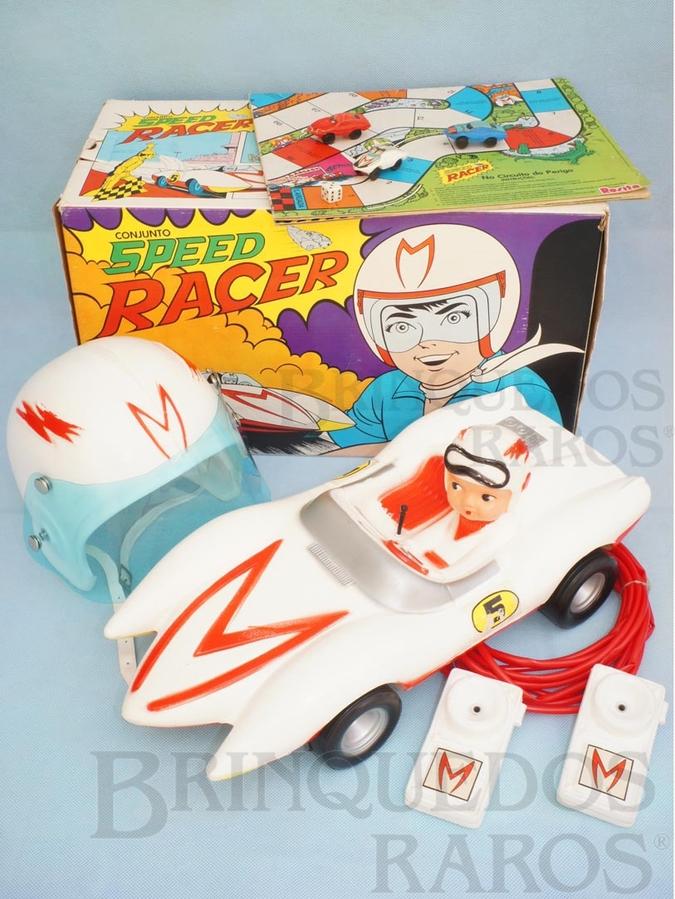 Brinquedo antigo Conjunto Speed Racer completo com carro Match 5 de 42,00 cm de comprimento Capacete Rádio e Jogo com 3 carrinhos Primeira miniatura Match 5 do mundo Década de 1970