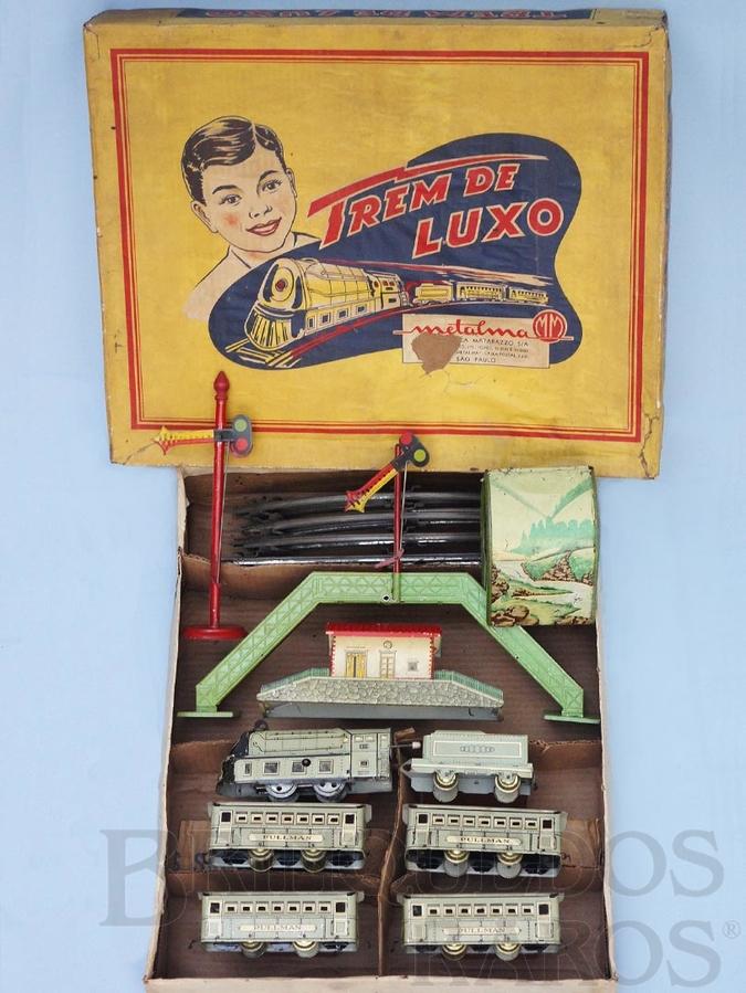 Brinquedo antigo Conjunto Trem de Luxo com Locomotiva Quatro Carros de Passageiros Estação Túnel Passarela e Sinal de Linha Década de 1950
