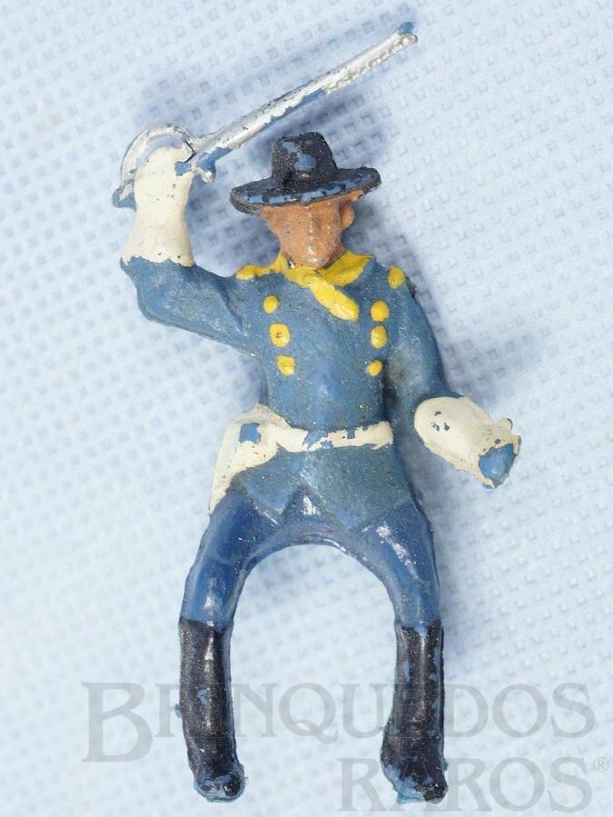 Brinquedo antigo Coronel da 7ª Cavalaria montado a cavalo com sabre