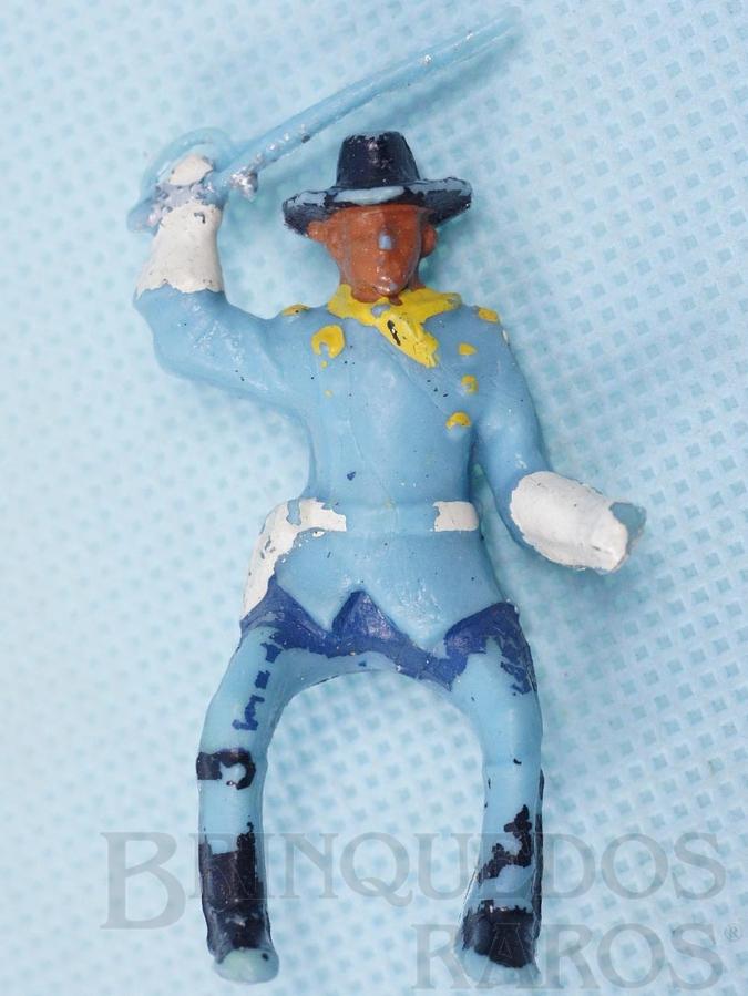 Brinquedo antigo Coronel da Sétima Cavalaria montado a cavalo com sabre