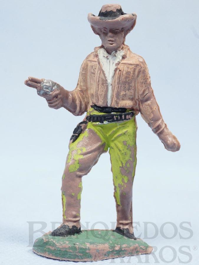 Brinquedo antigo Cowboy andando com revolver Gulliver Década de 1970