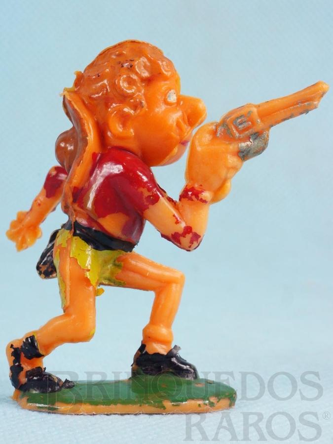 Brinquedo antigo Cowboy de pé com revolver Série Brincalhões de Forte Apache Ano 1973