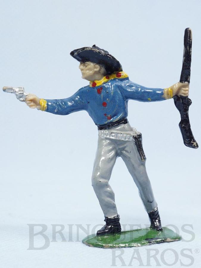 Brinquedo antigo Cowboy de pé com revolver e rifle Cowboy Apontando Casablanca numerado 124