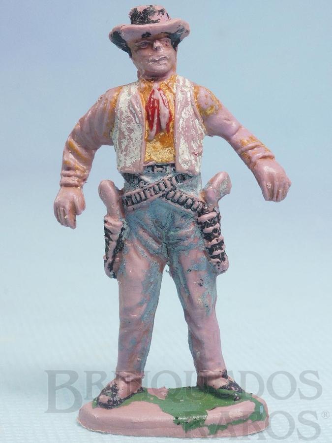Brinquedo antigo Cowboy de pé em posição de duelo Gulliver Década de 1970