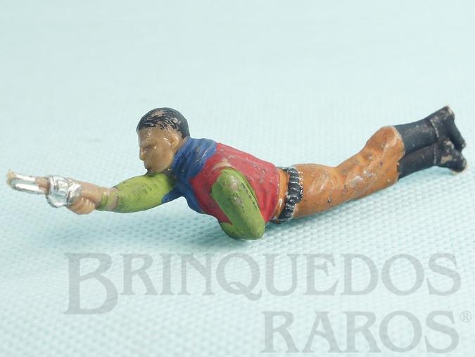 Brinquedo antigo Cowboy Deitado atirando com revolver Cowboy deitado apontando Casablanca numerado 118 Década de 1960