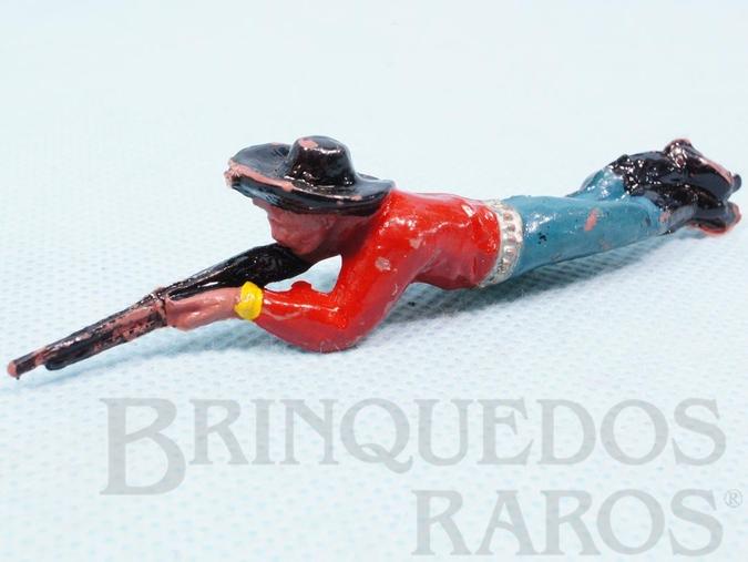 Brinquedo antigo Cowboy deitado atirando com rifle Casablanca numerado 117