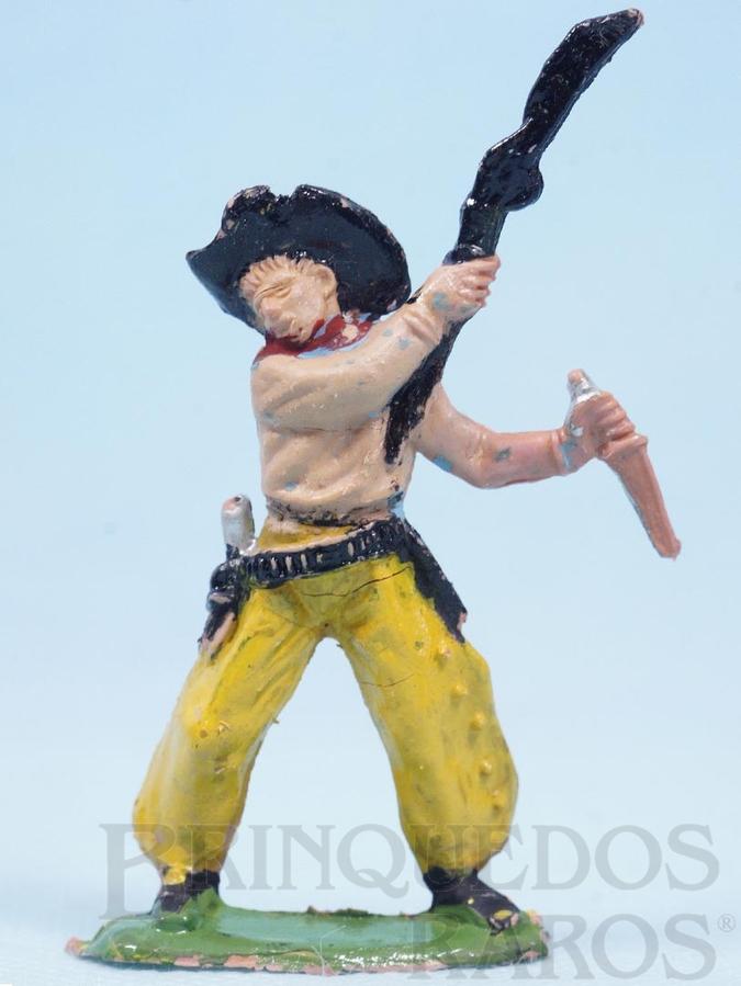 Brinquedo antigo Cowboy lutando com rifle e faca Gulliver Numerado 42 Década de 1970