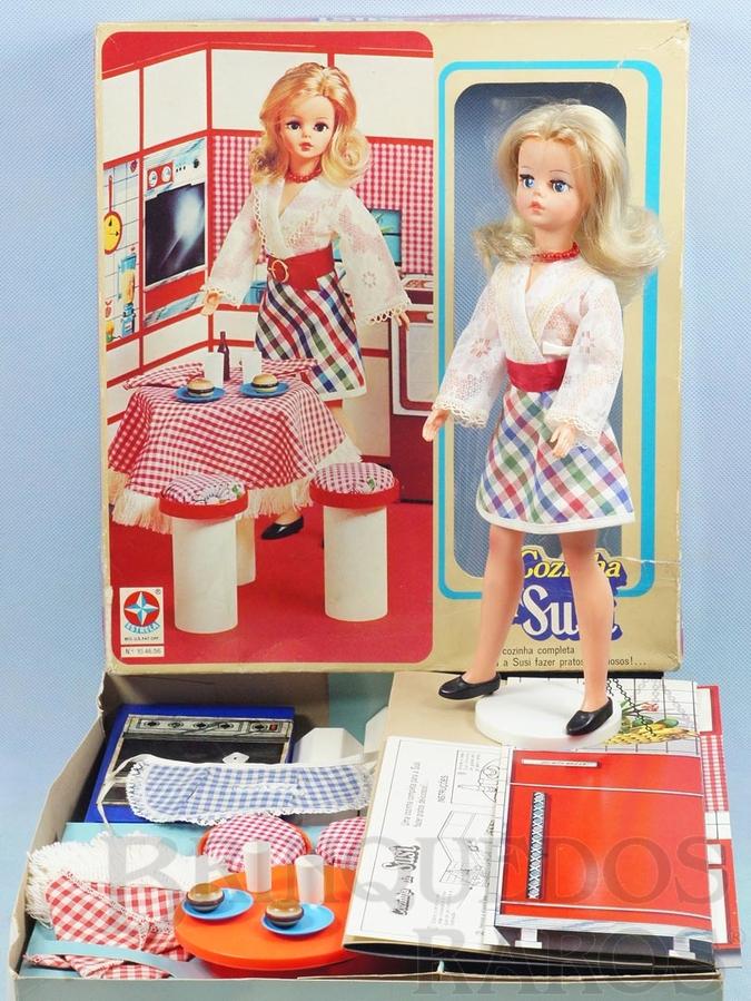 Brinquedo antigo Cozinha da Susi com Boneca Série Pulsos móveis 100% original Perfeito estado Conjunto Completo Ano 1976