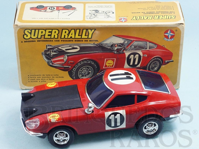 Brinquedo antigo Datsun 240z Super Rally com 26,00 cm de comprimento Sistema Bate e Volta com Farol que acende Ano 1977