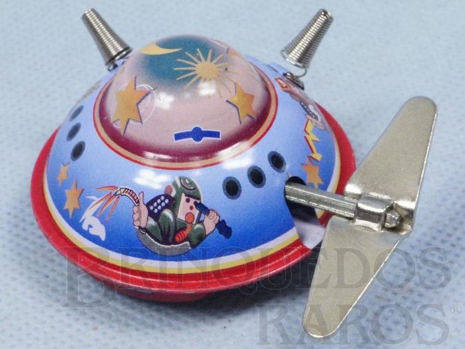 Brinquedo antigo Disco Voador com 5,00 cm de diâmetro Década de 1980