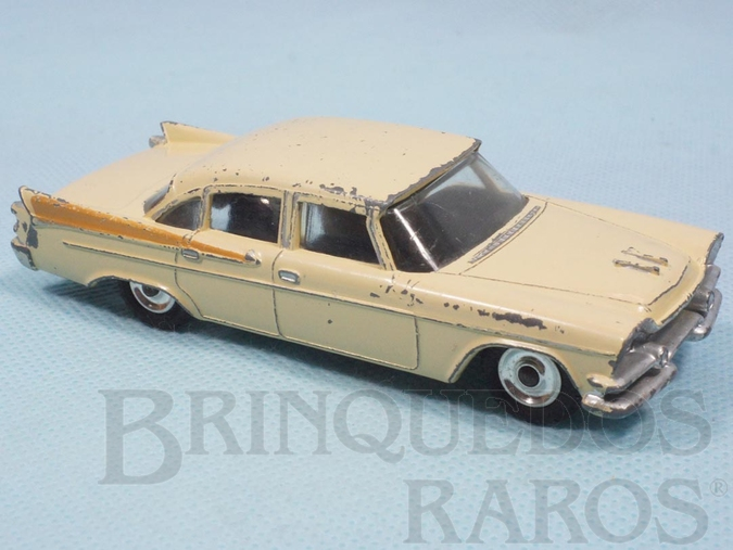 Brinquedo antigo Dodge Royal Sedan 1957