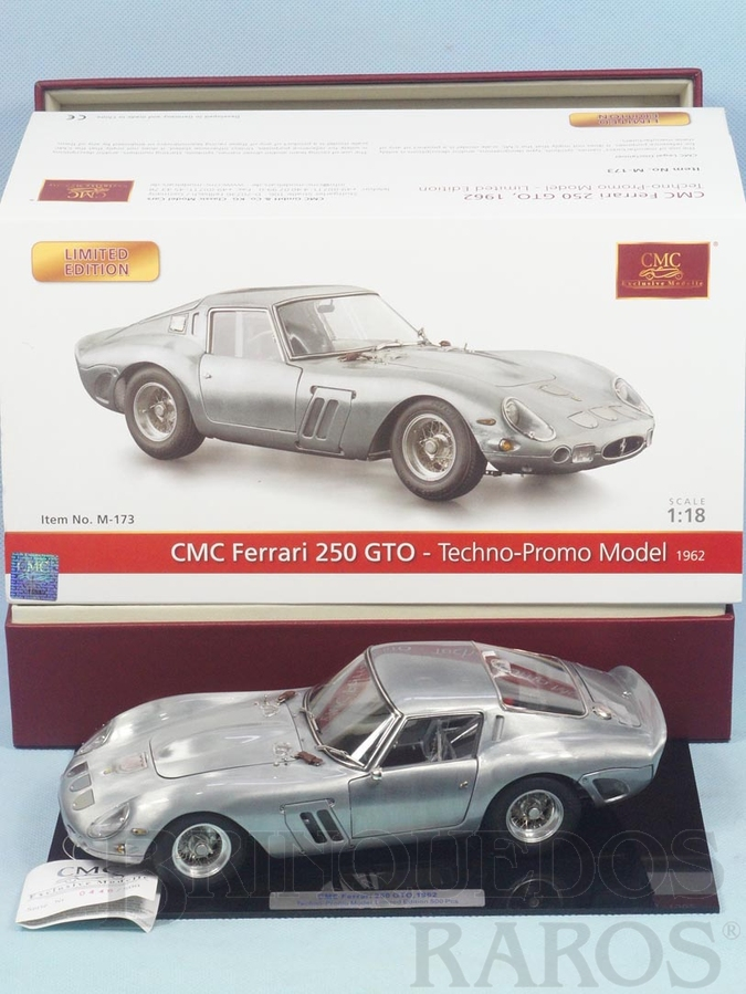 Brinquedo antigo Ferrari 250 GTO 1962 Série Techno-Promo Model que salienta o chassi e a técnica de fundição da carroceria em metal envernizado Não tem bancos nem motor Edição limitada número 0446 de 500 peças Ano 2010