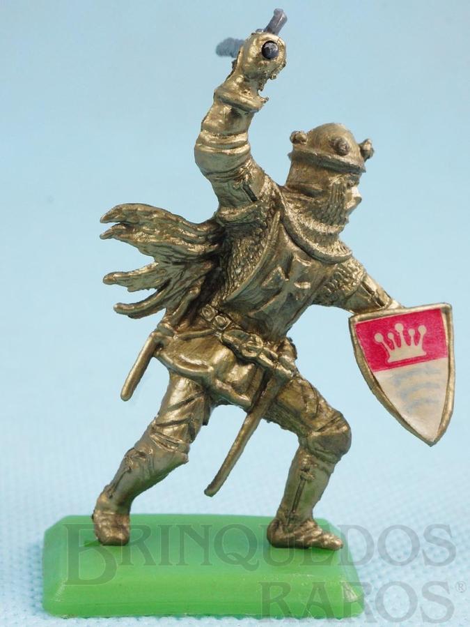 Brinquedo antigo Figura do Rei Arthur com Escudo e Machado Cópia Britains Série Rei Arthur Década de 1970
