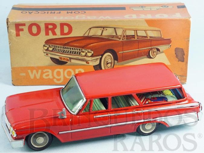 Brinquedo antigo Ford Fairlaine Station Wagon com 27,00 cm de comprimento Década de 1960