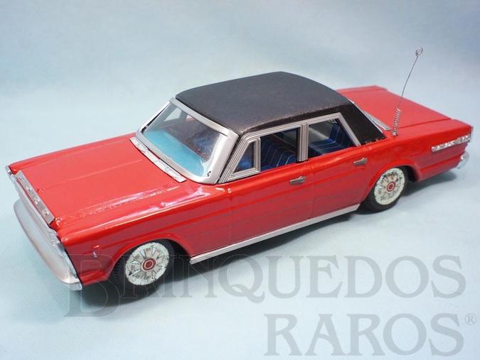 Brinquedo antigo Ford Galaxie 500 vermelho com teto preto 34,00 cm de comprimento Ano 1968