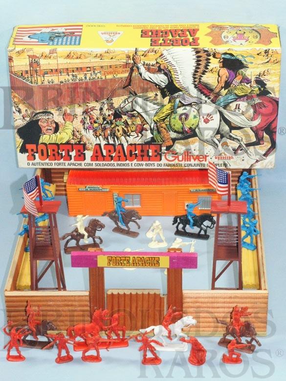 Brinquedo antigo Forte Apache completo com 32 figuras Atlantic Base 45,00 x 47,00 cm Caixa Original Ano 1980