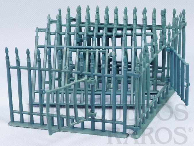 Brinquedo antigo Grades com porta da Jaula Série Zoológico Década de 1960 Preço por unidade
