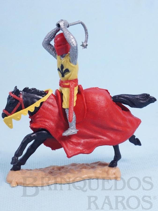 Brinquedo antigo Guerreiro Medieval a cavalo com Bola de Aço Década de 1970