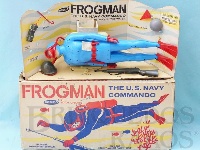 Brinquedo antigo Homem-Rã com 54,00 cm de altura Frogman The U.S. Navy Commando completo com 9 itens Década de 1960