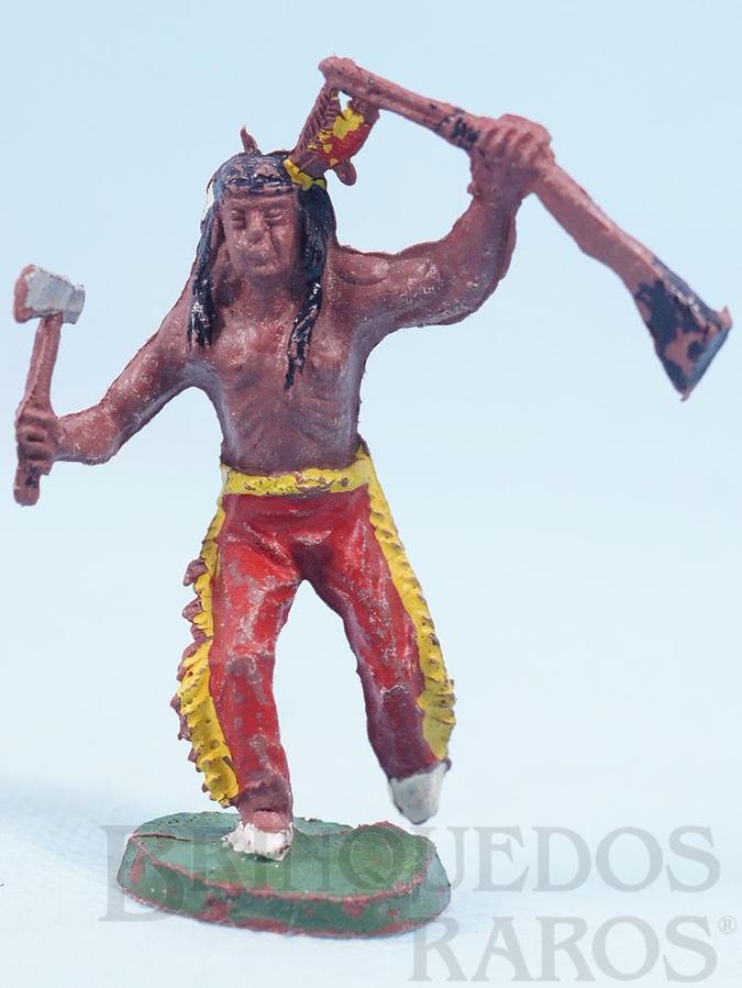 Brinquedo antigo Índio correndo com rifle e machado Casablanca Década de 1960