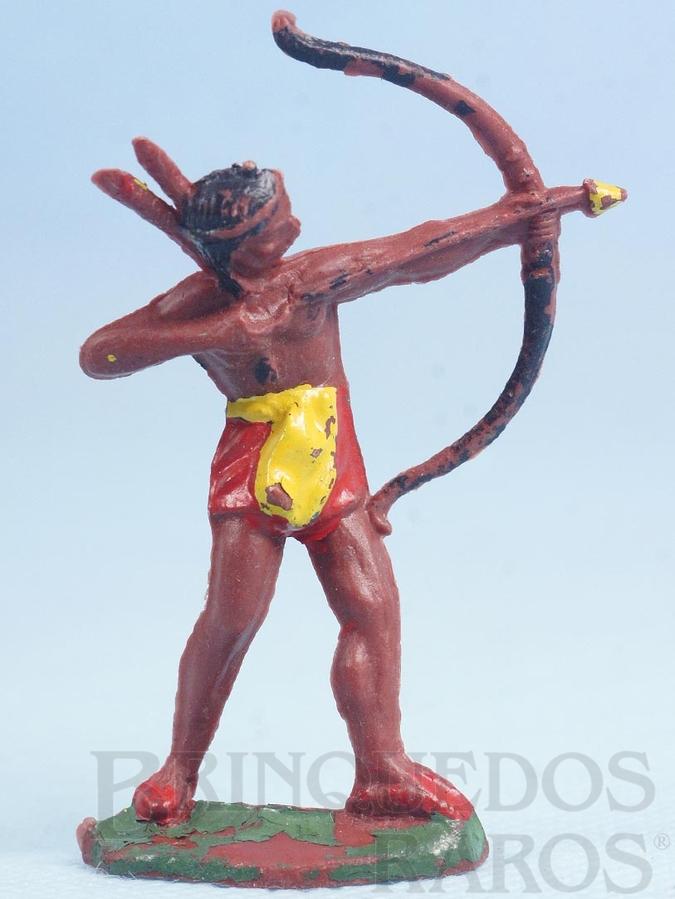 Brinquedo antigo Índio de pé atirando com arco e flecha Casablanca Década de 1960