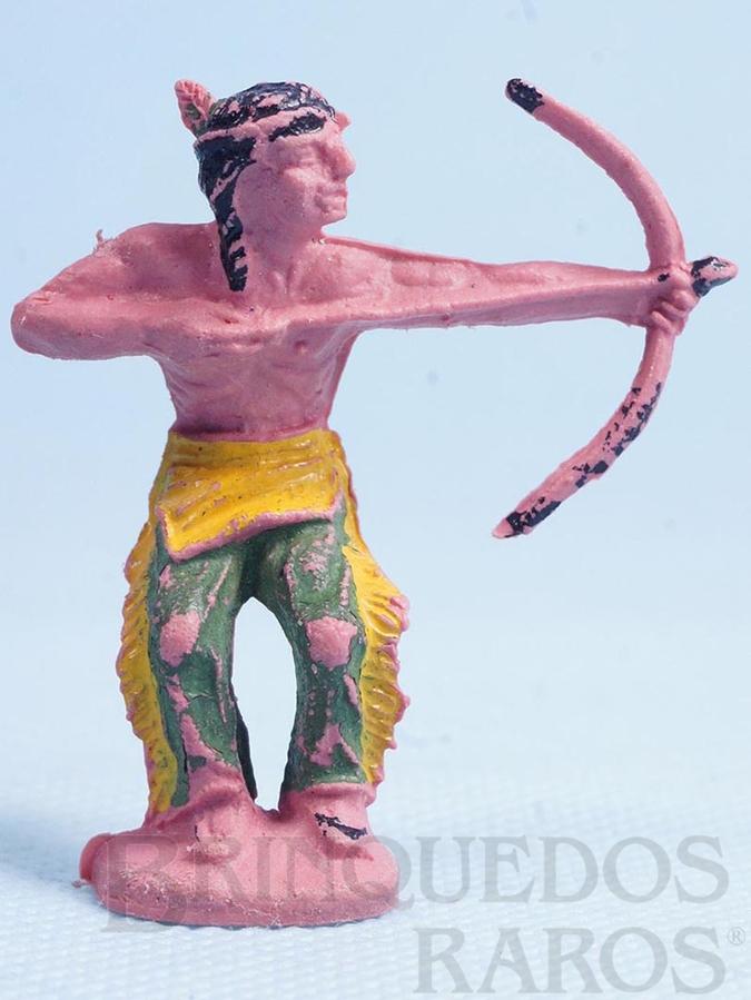 Brinquedo antigo Índio de pé atirando com arco e flecha Década de 1960