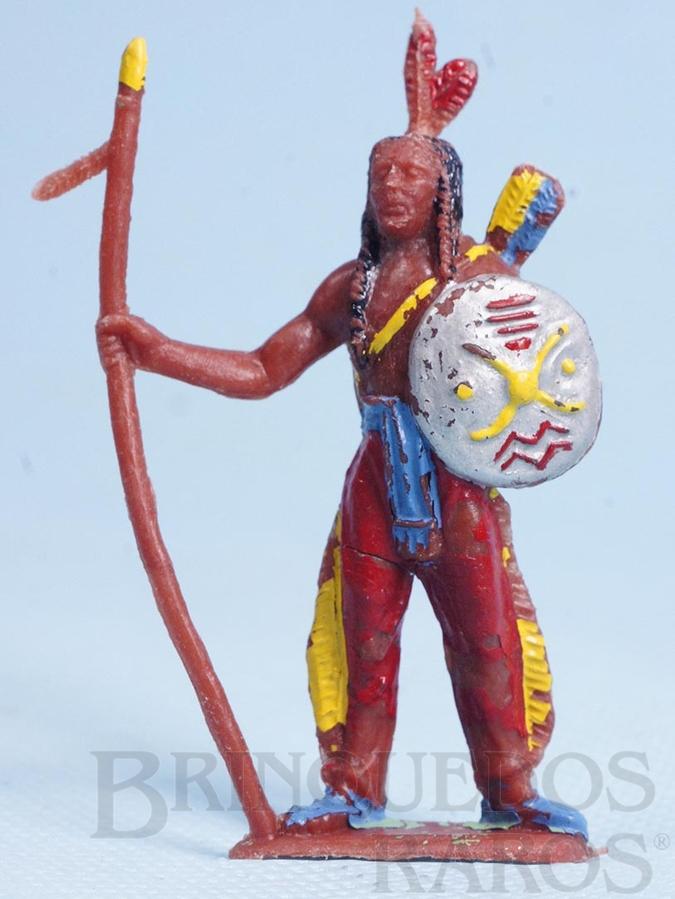 Brinquedo antigo Índio de pé com lança e escudo Casablanca Década de 1960