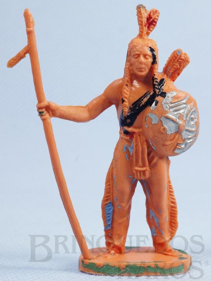Brinquedo antigo Índio de pé com lança e escudo Gulliver Década de 1970