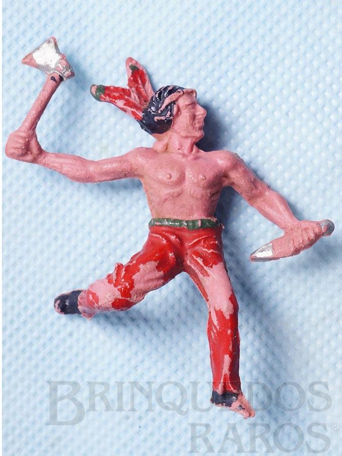Brinquedo antigo Indio escalando a paliçada com faca e machado