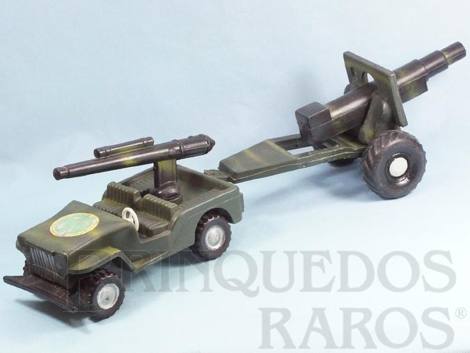 Brinquedo antigo Jeep Willys com Canhão e Carreta 60,00 cm de comprimento Década de 1970