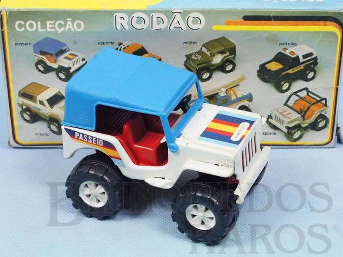 Brinquedo antigo Jeep Willys versão Passeio Coleção Rodão com 11,00 cm de comprimento Década de 1980