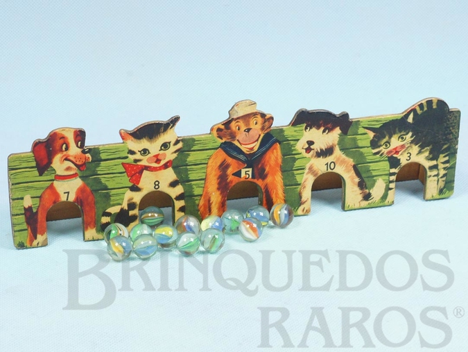 Brinquedo antigo Jogo Bolibox composto de Placa estampada com Animais numerados e 12 bolinhas de gude 29,00 cm de comprimento  Ano 1962