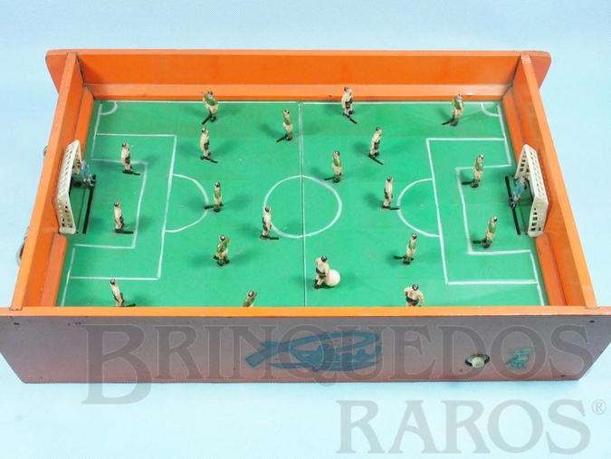 Brinquedo antigo Jogo de Futebol Eletromagnético Corinthians Paulista e Palmeiras com 30,00 x 40,00 cm Década de 1960