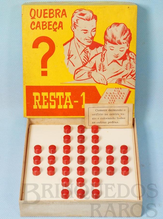 Brinquedo antigo Jogo Quebra Cabeça Resta 1 Década de 1960