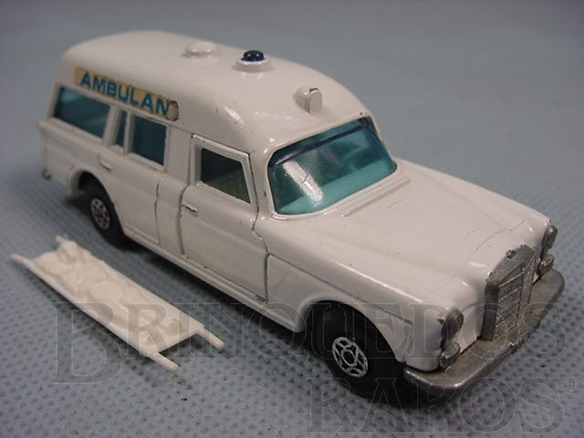 Brinquedo antigo Mercedes Benz Binz Ambulance Brazilian Matchbox Inbrima Super Kings