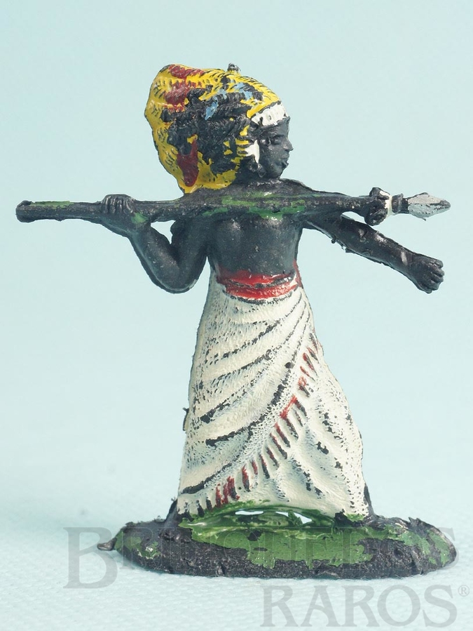 Brinquedo antigo Nativo atirando lança Série África Misteriosa Década de 1960