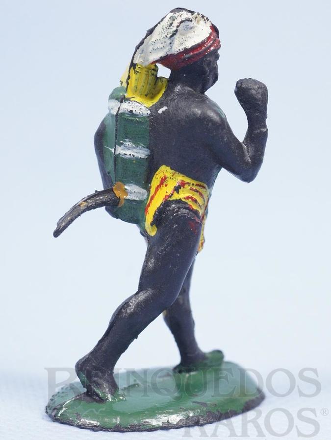 Brinquedo antigo Nativo Caçador com Arco Série Safari na África Década de 1960