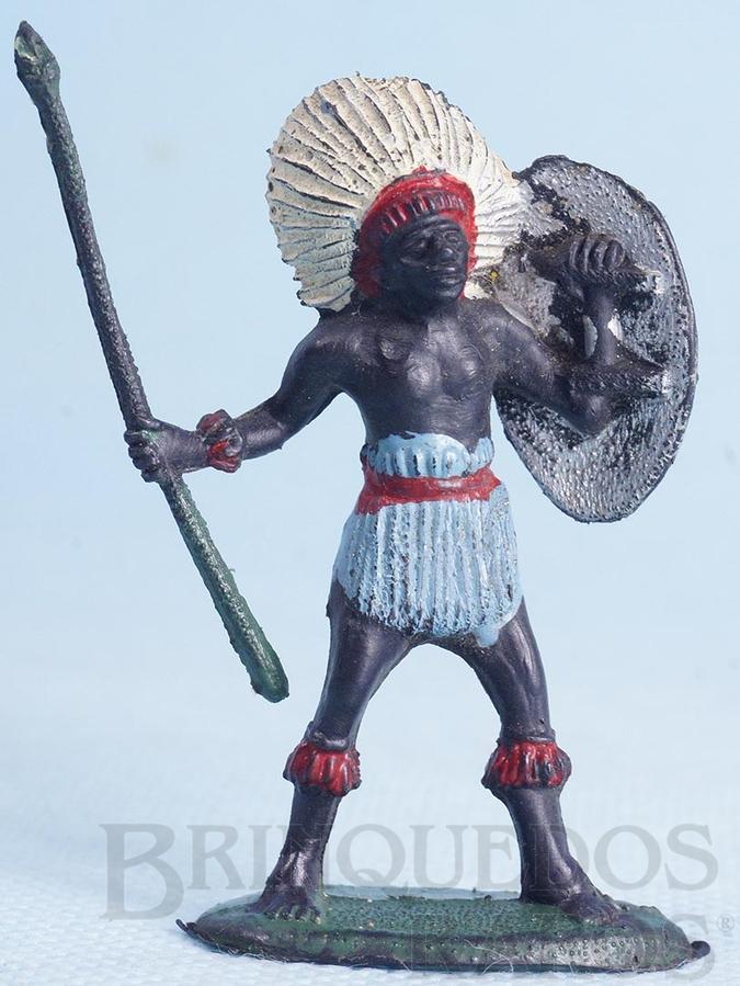 Brinquedo antigo Nativo com Lança e Escudo Série África Misteriosa Década de 1970