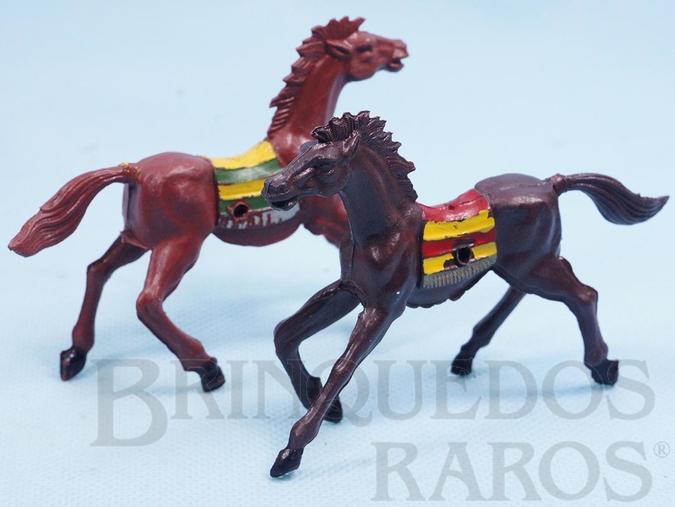 Brinquedo antigo Par de Cavalos índio marrons com furo lateral para Carroças