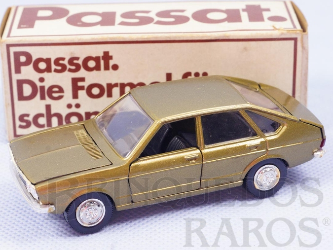 Brinquedo antigo Passat TS brinde da Volkswagen alemã Década de 1980