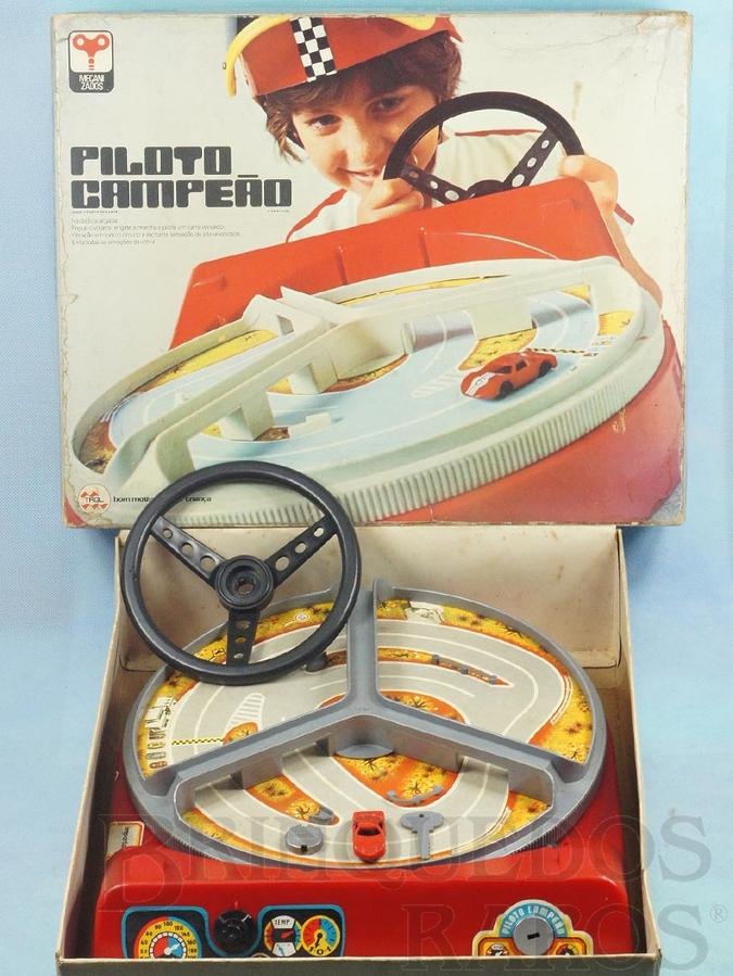 Brinquedo antigo Piloto Campeão Segunda Versão perfeito estado completo com Chave e Carro Década de 1970